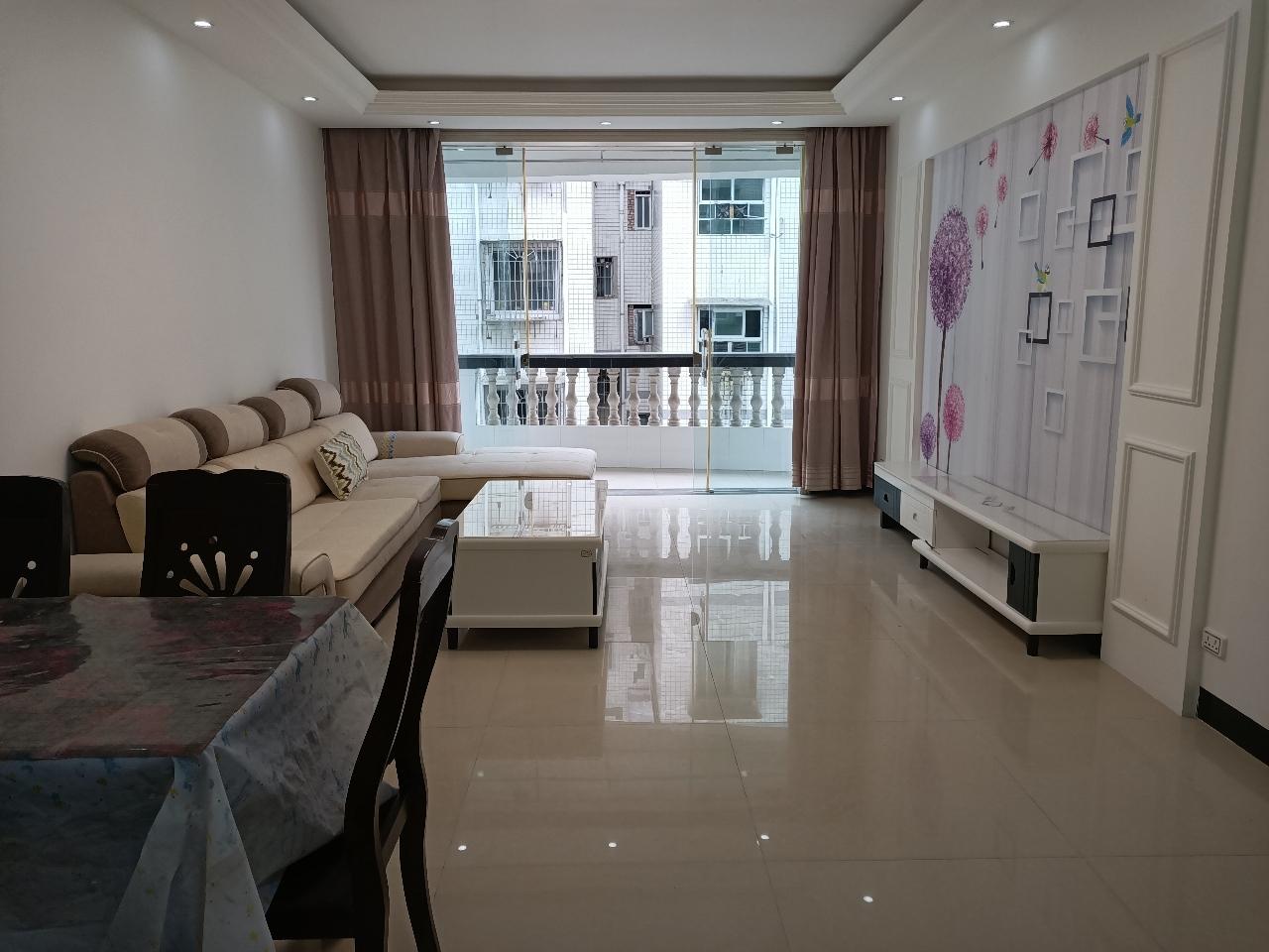 金利苑4楼4室 2厅 2卫57.8万元