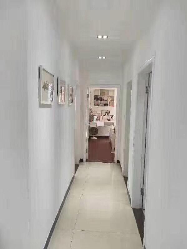 名人苑3室 2厅 1卫105万元