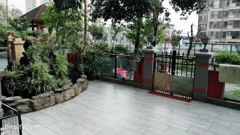 国际新城、4室2厅、带100多平米私家花园洋房,