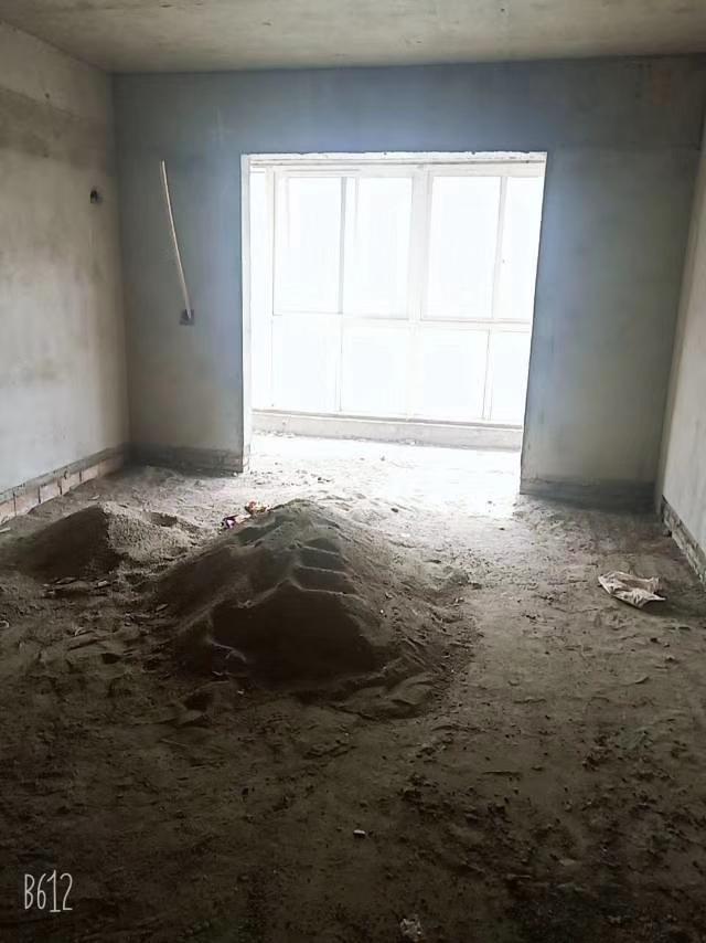 瑞莲小区3室 2厅 2卫50万元