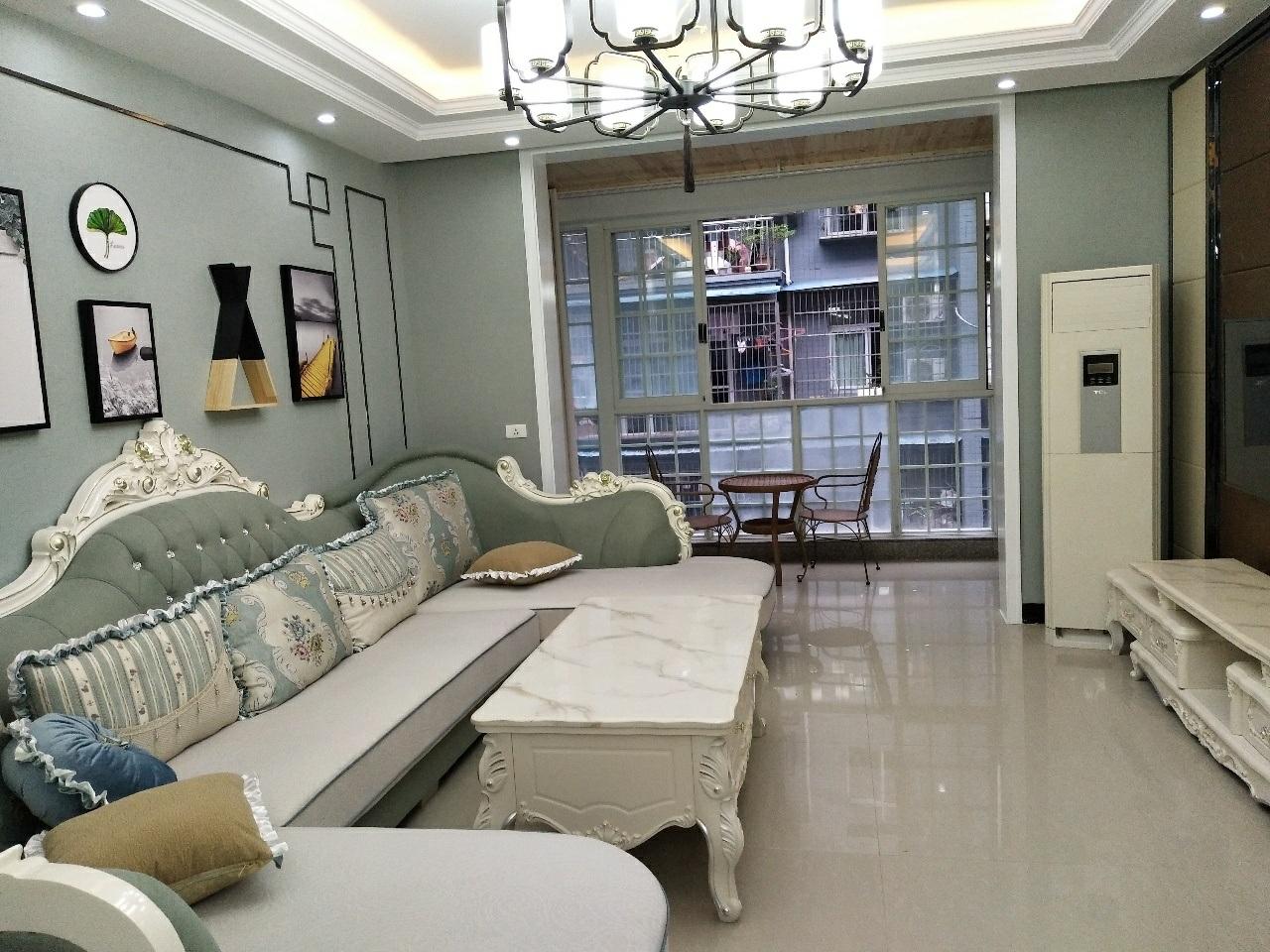天成苑3室 2厅 2卫65.8万元