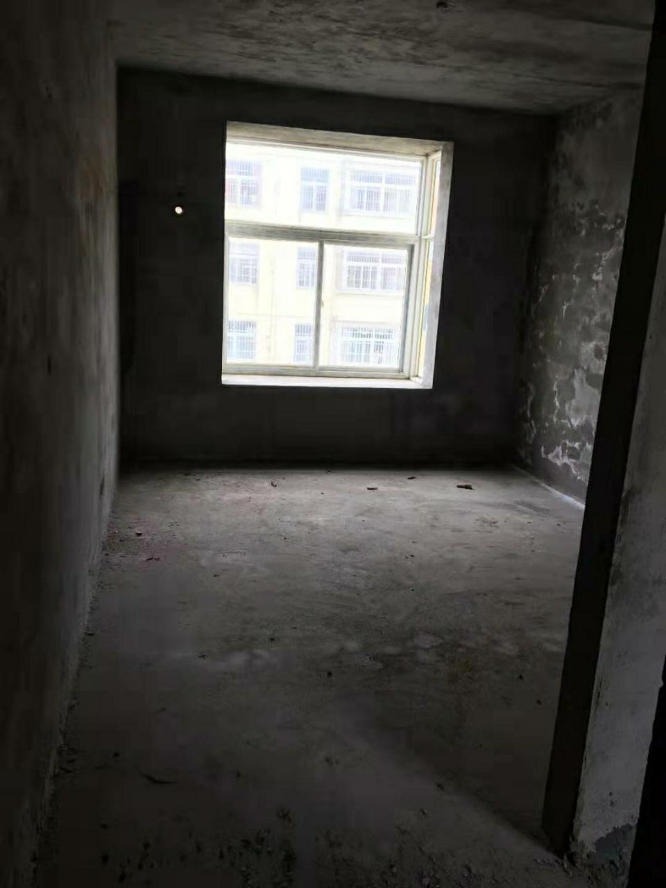 尚景花园3室 1厅 1卫31万元