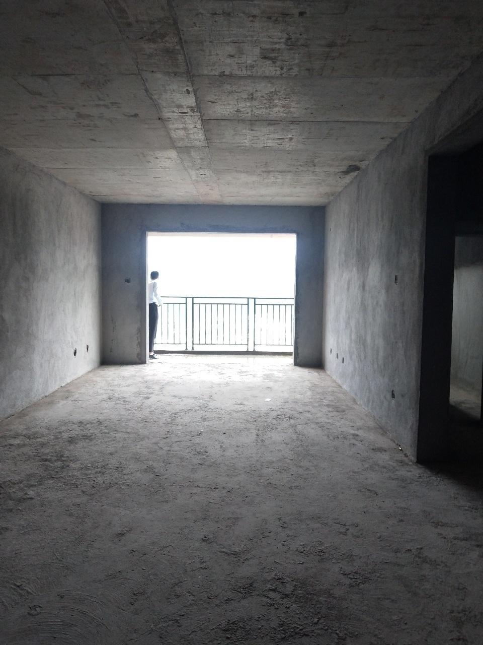 上得廷得廷逸品4室 2厅 2卫50万元