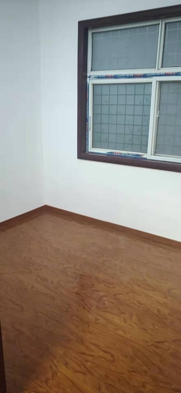 名门世家附近3室 1厅 1卫19万元