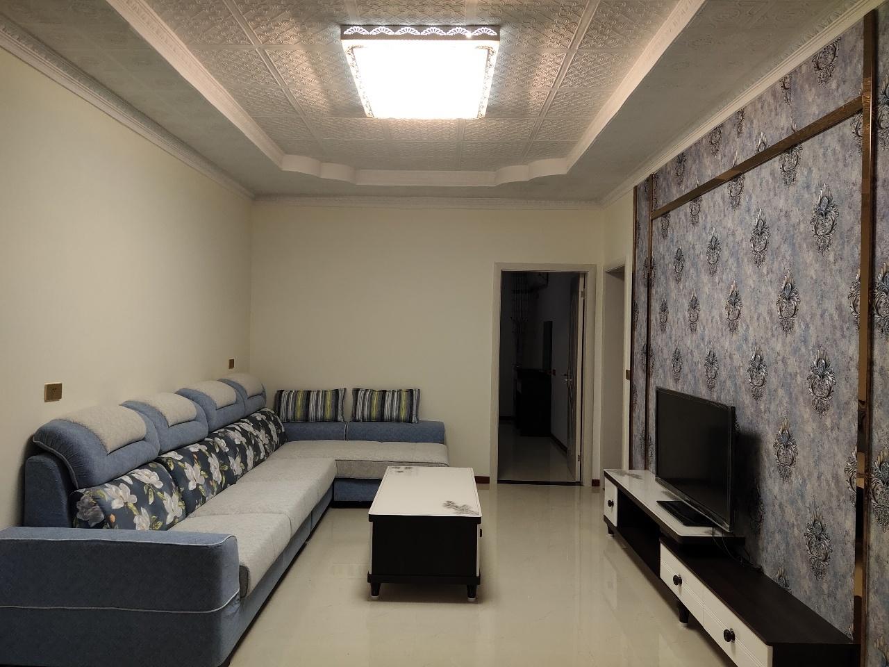 月亮街小学内3室 2厅 2卫46.8万元