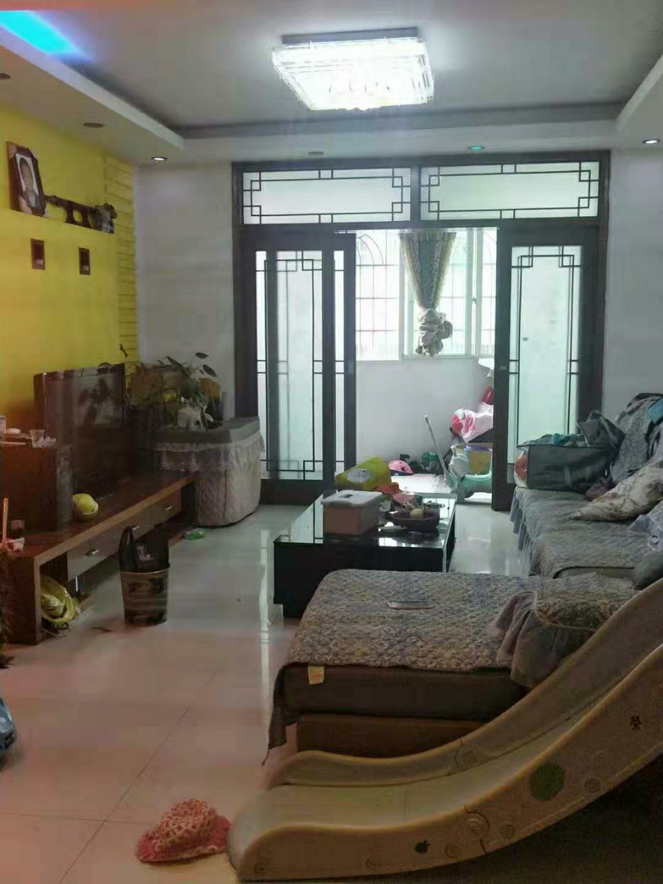 紫江花园4室 2厅 1卫61.8万元