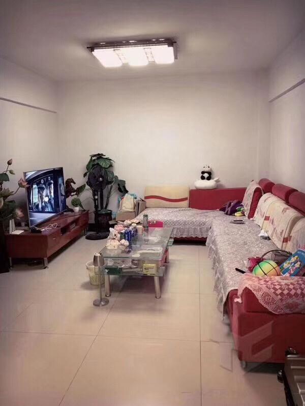 鸿运新城2室 2厅 1卫28万元