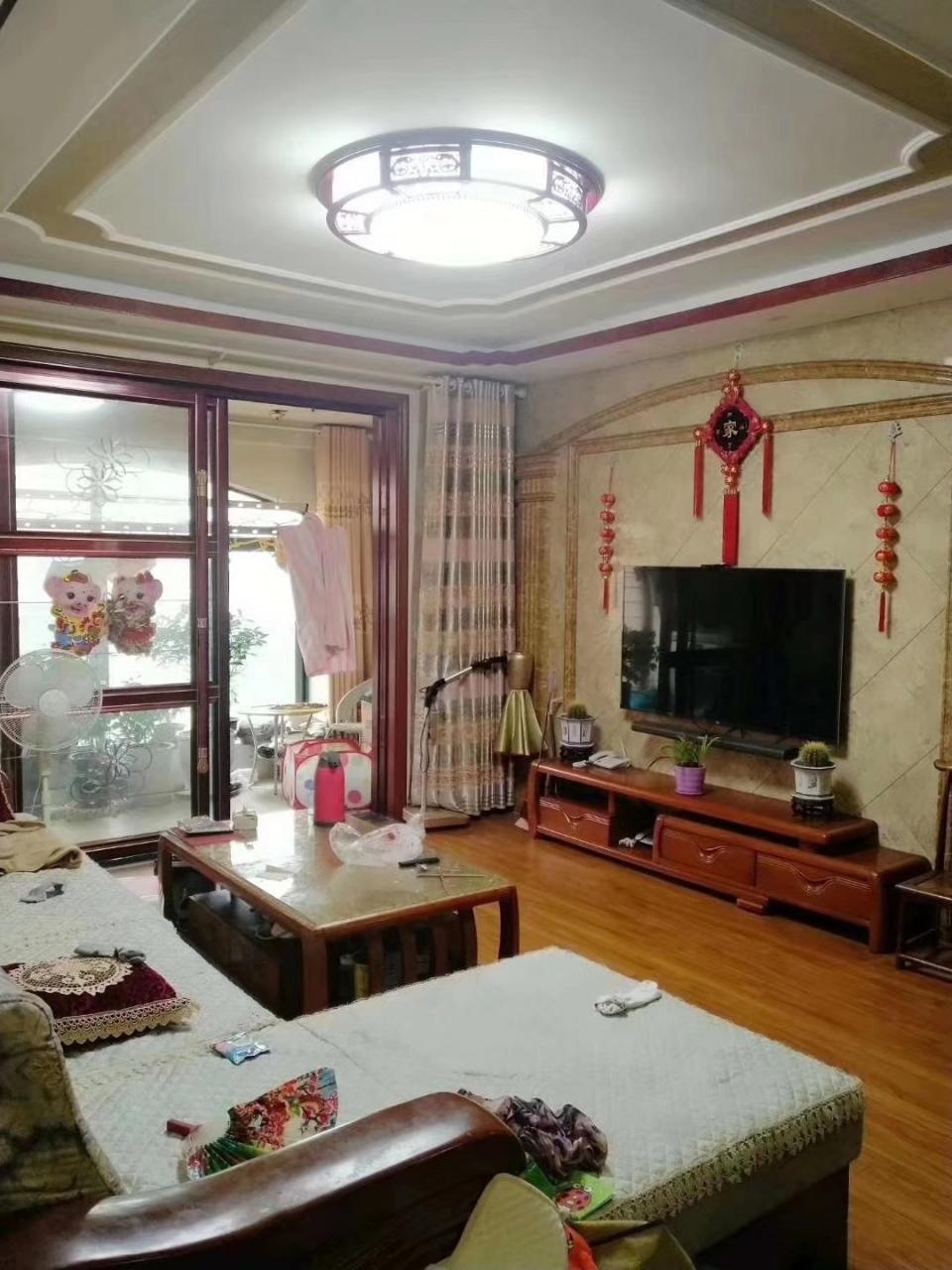 瑞贝卡·和天下3室 2厅 2卫83万元