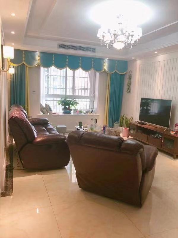 未来城3室 2厅 2卫77万元