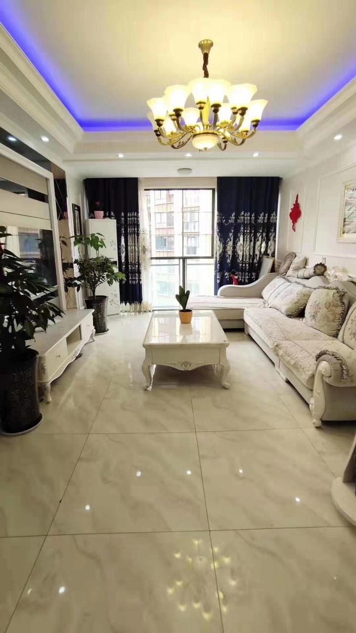 水晶郦城3室 2厅 1卫60万元
