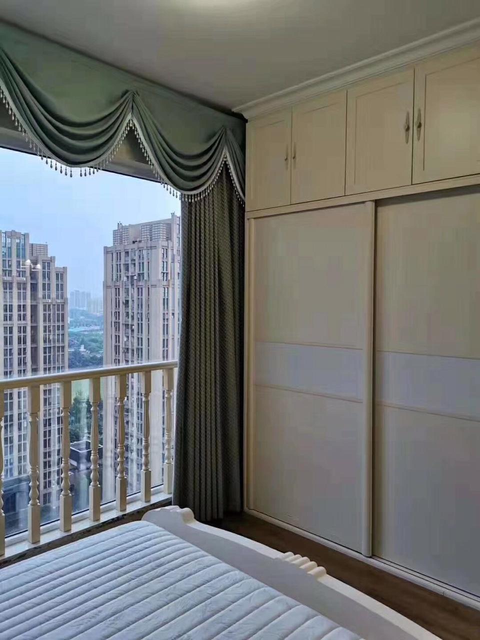 拉菲3室 2厅 1卫97.5万元