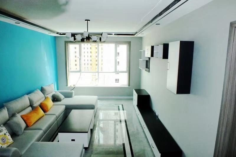 巨龙庭院94平米精装修的新房出售