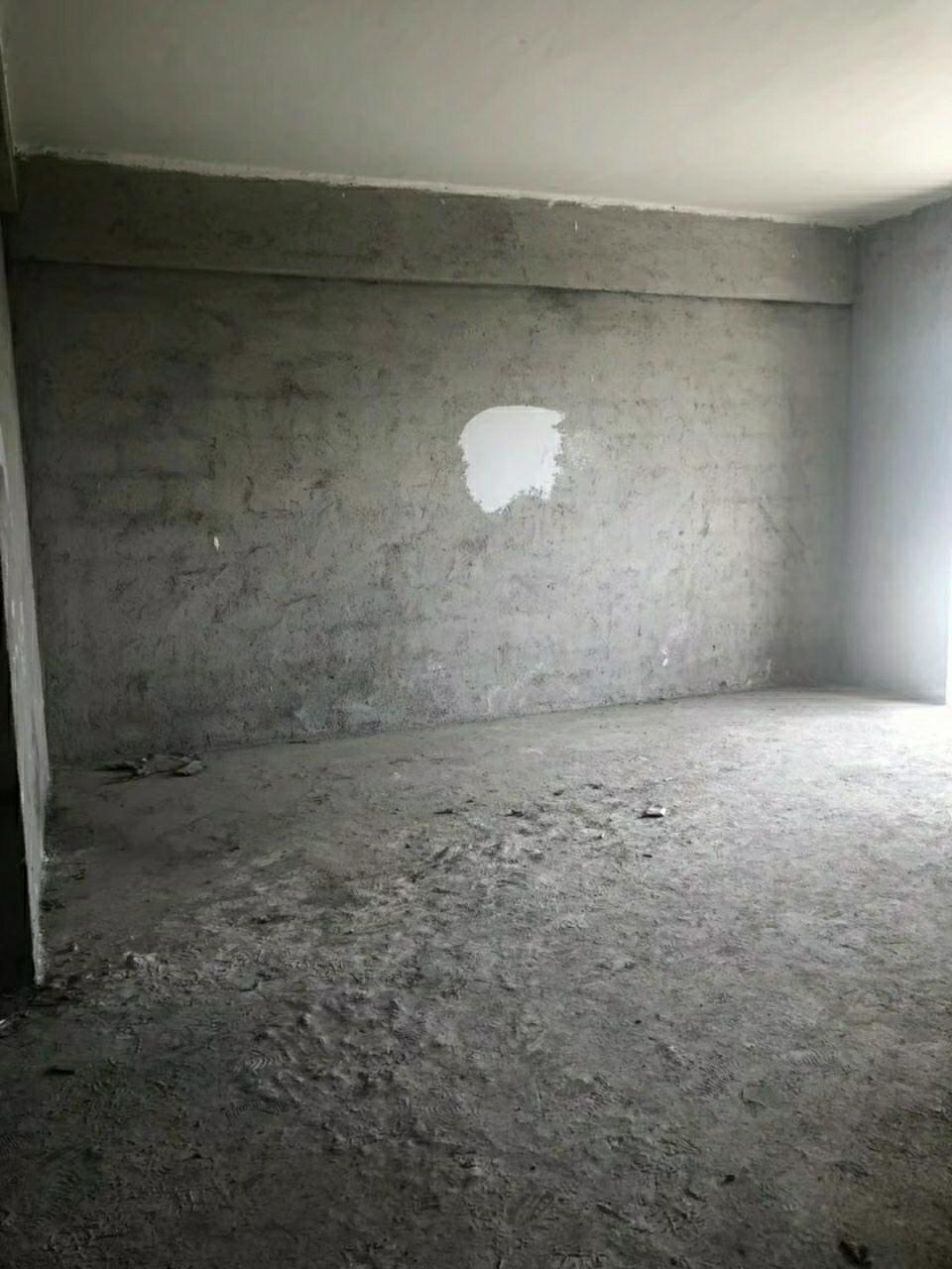 楚天华庭3室 2厅 2卫53万元