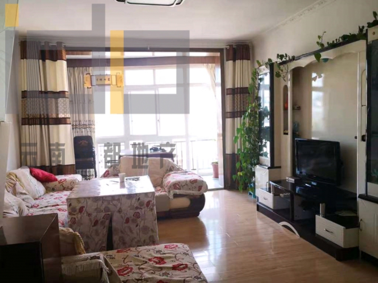 龙腾锦城3室 2厅 2卫77万元