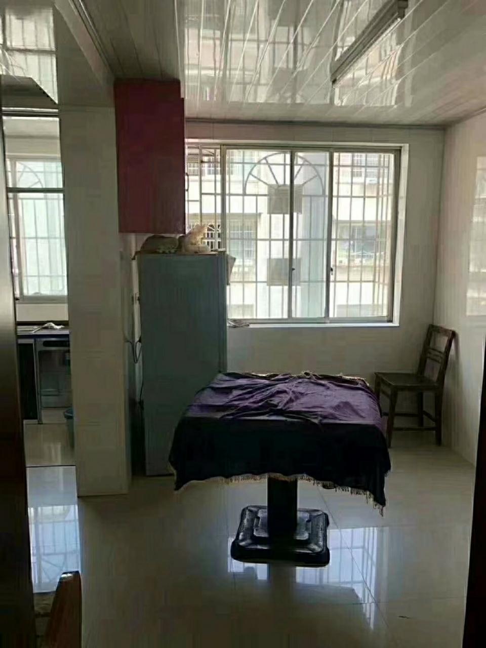 佳居苑一期3室 2廳 1衛121.7萬元