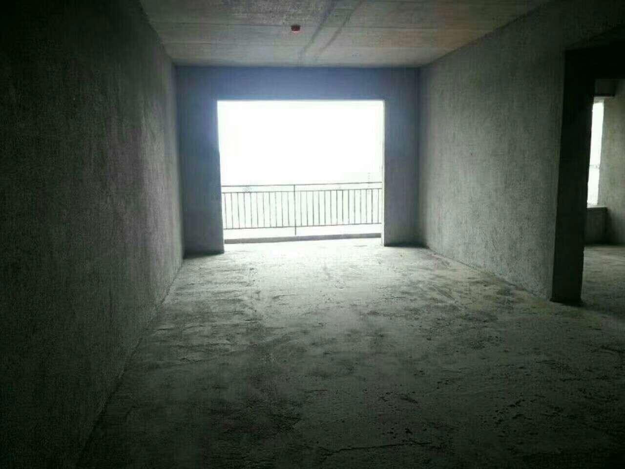 居家首选 电梯房  4800一平