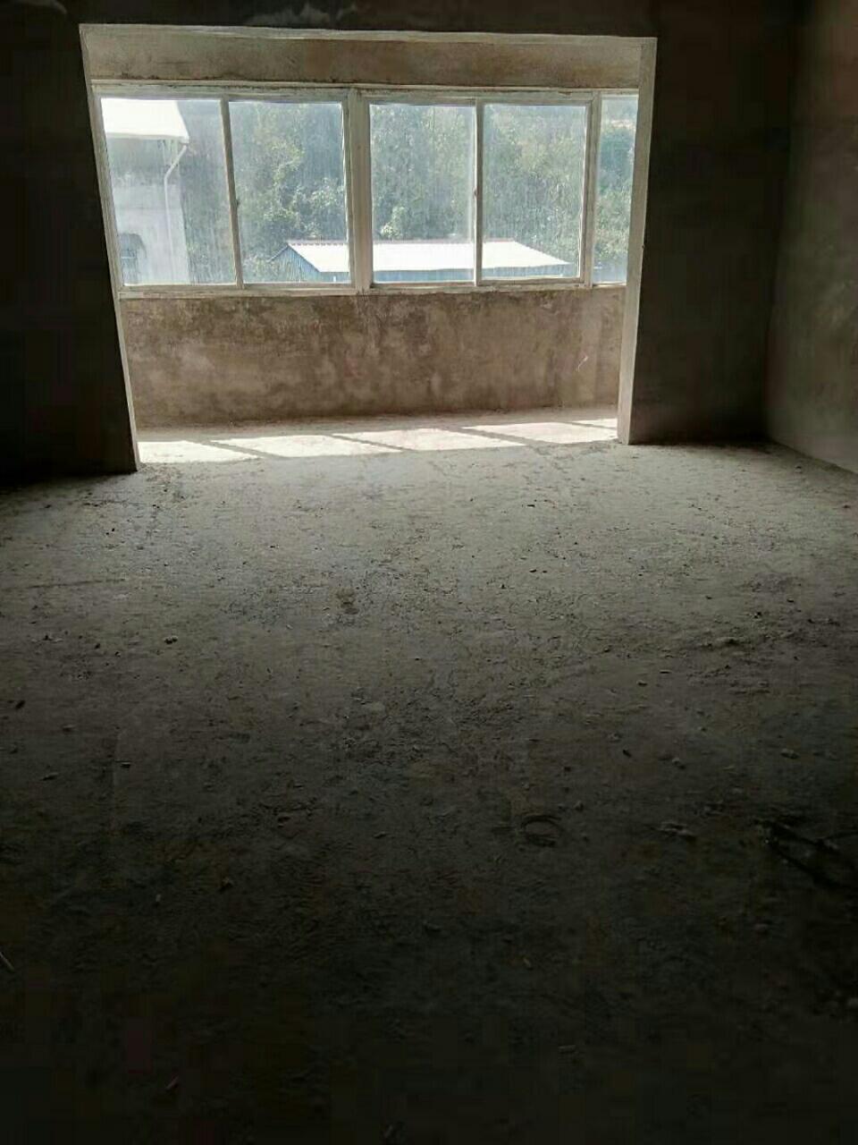 龍興花園2室 2廳 1衛24.8萬元