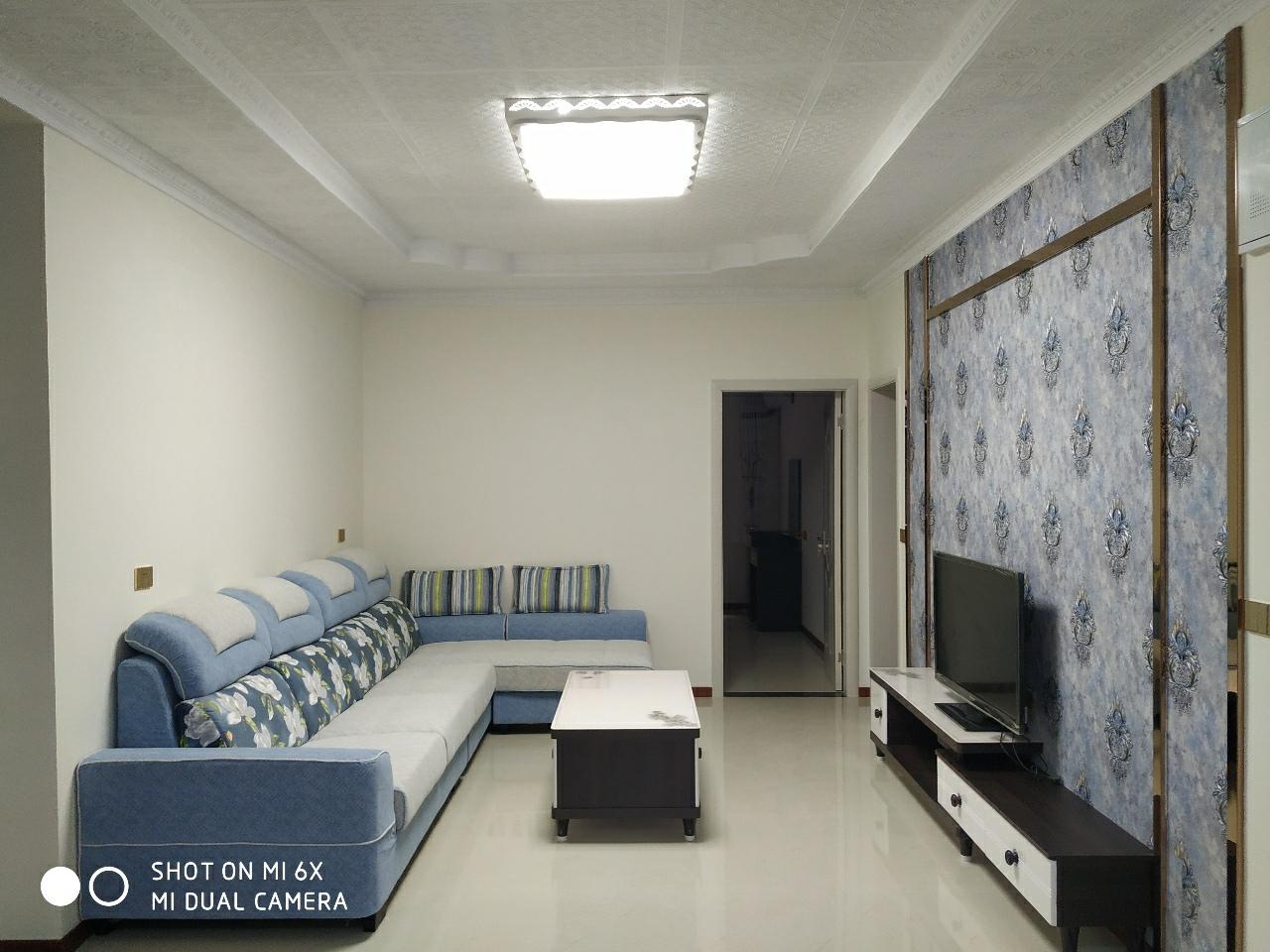 月亮街小学里面3室 2厅 2卫46.8万元
