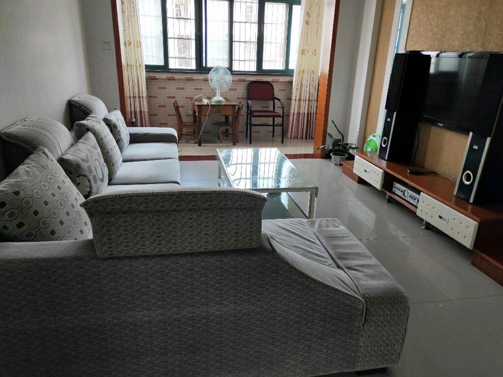 怡和苑3室 2厅 2卫80万元