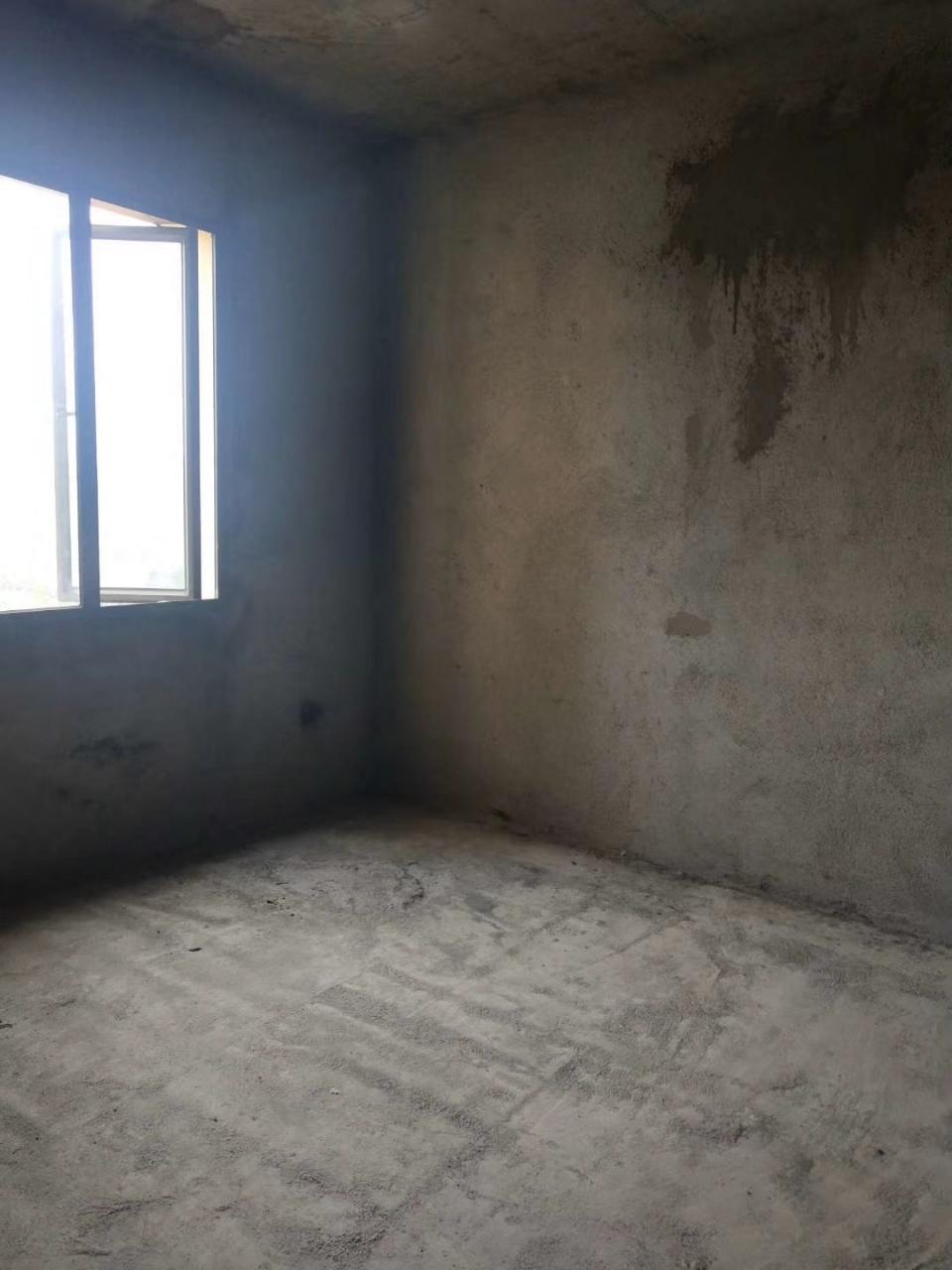 观澜湖4室 2厅 2卫83万元