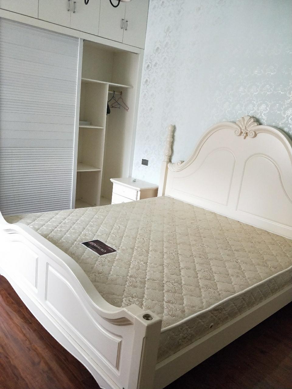 磐石·圣缇亚纳3室 2厅 2卫68.8万元