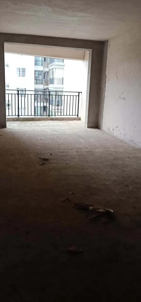 園林鑫城2室 2廳 1衛31.8萬元