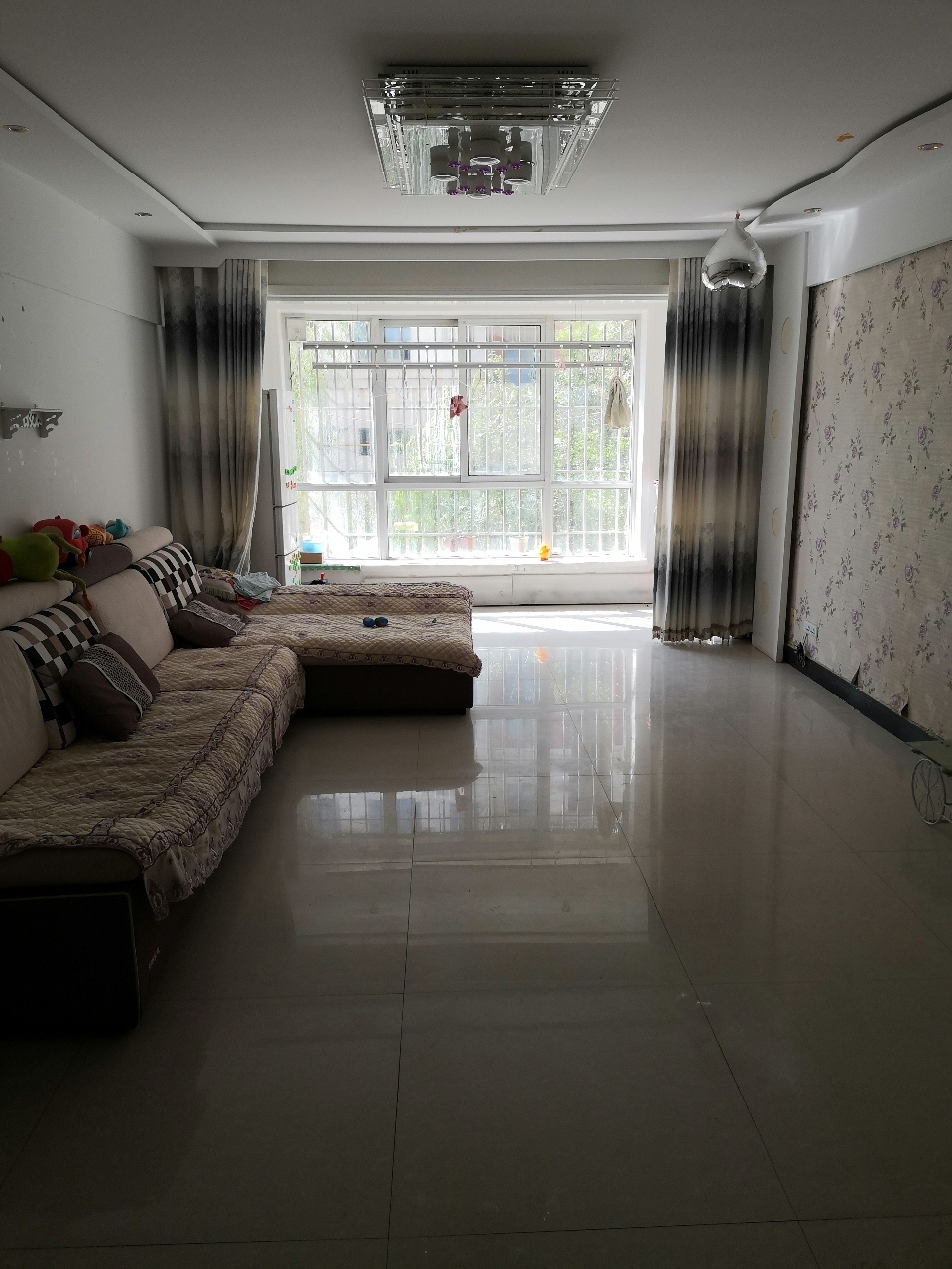 翰海明珠98平米精装修的2楼54.8万出售