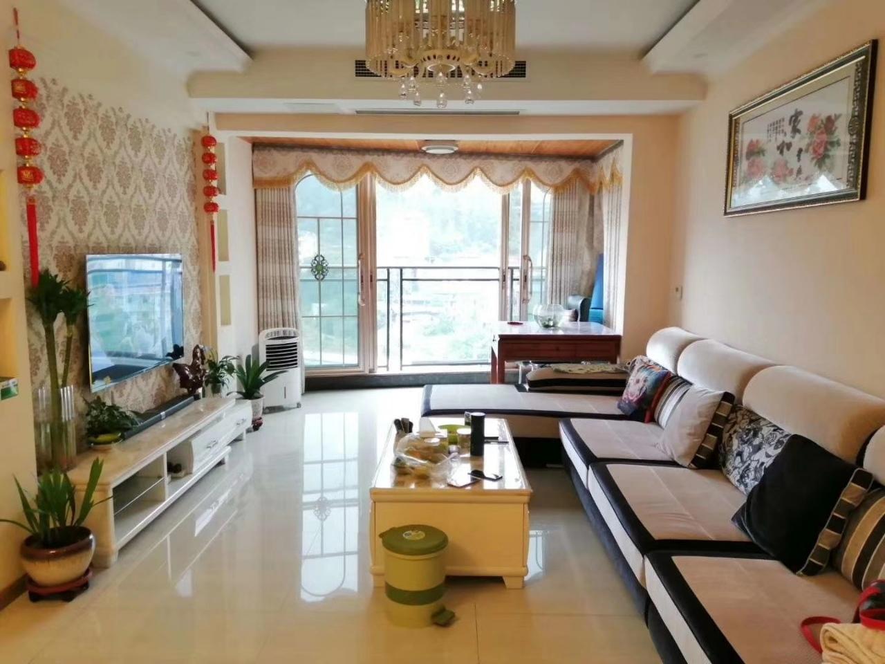 观江苑3室 2厅 2卫96.8万元