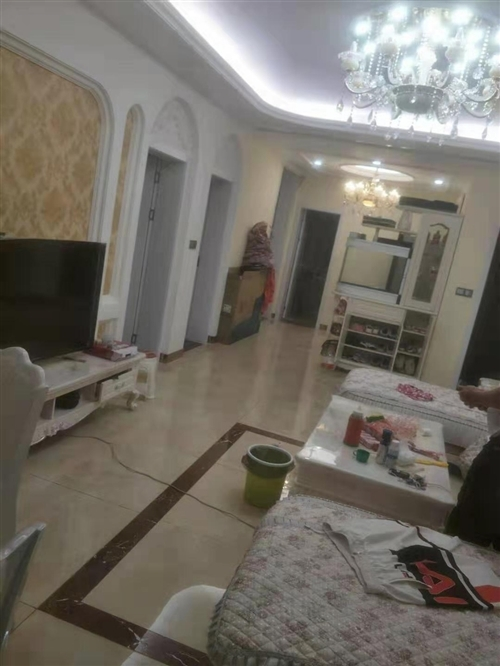 龙腾锦城4室 2厅 2卫85万元