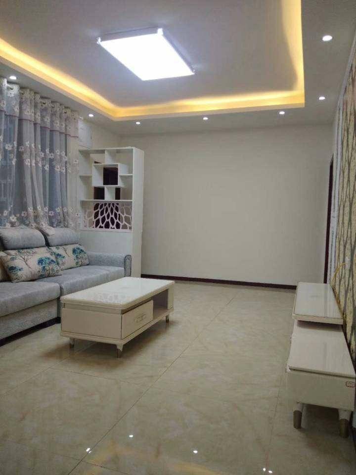 义园街皂角巷3室 2厅 2卫44.8万元