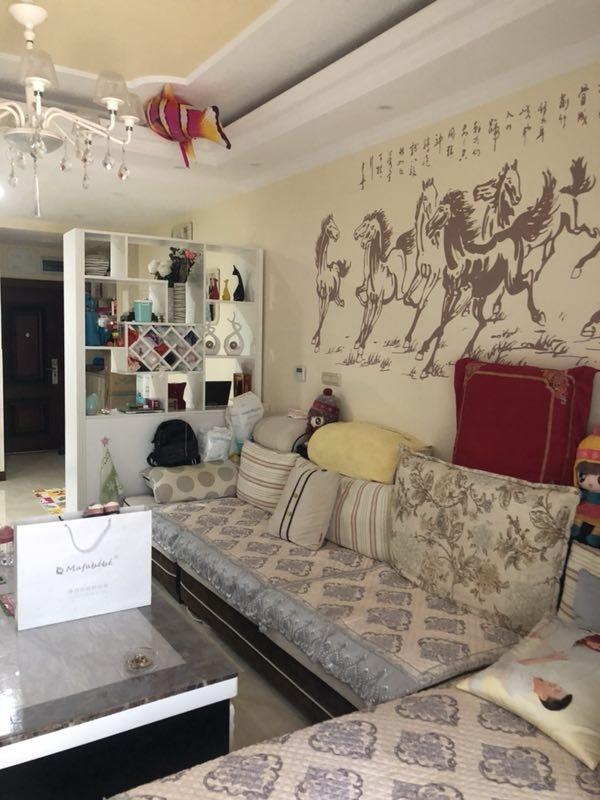 金山佳苑精装3室 2厅 1卫55万元