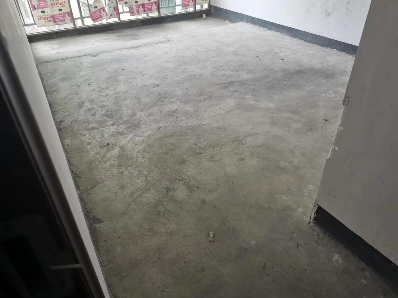 滨江豪苑3室 2厅 2卫46.8万元