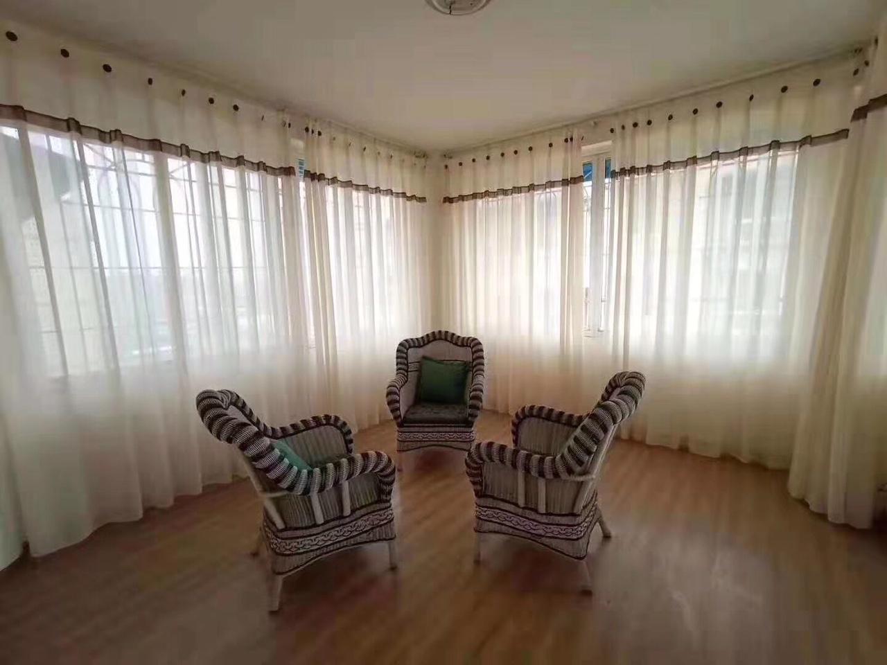 锦宏苑4室 2厅 2卫42.8万元