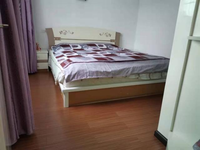 新世纪108平方3室 2厅 1卫56.8万元