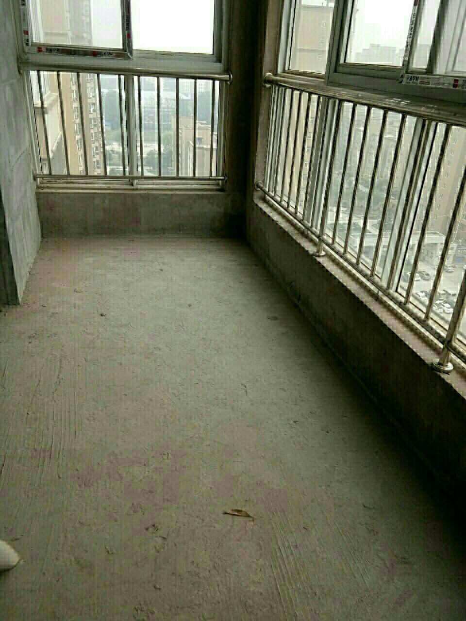 江南春天4室 2厅 2卫65万元