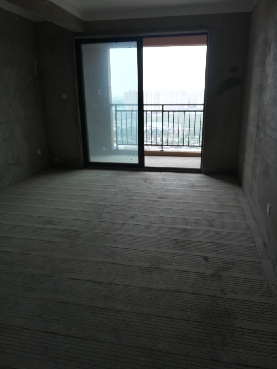 同运凯旋名门2室 2厅 1卫58万元