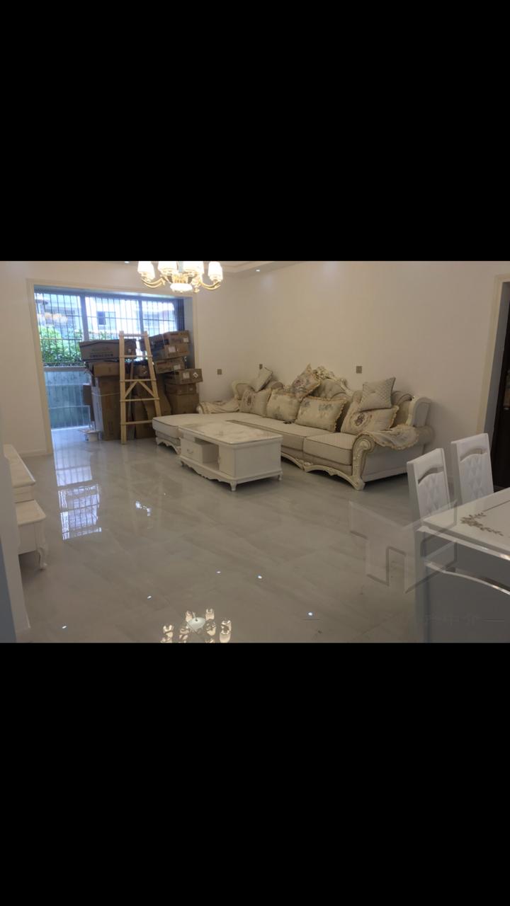 阳光水岸3室 2厅 2卫52.8万元