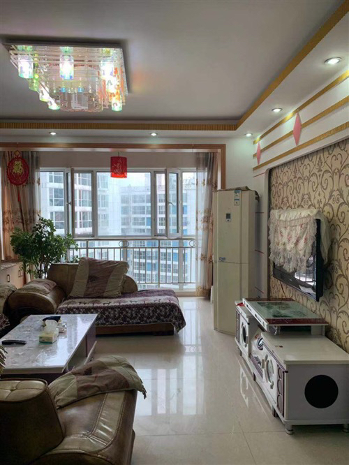 梓江新城3室 2厅 2卫52万元