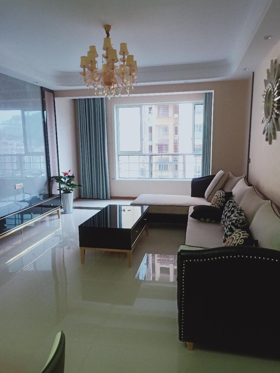阳光凯悦3室 2厅 2卫74.8万元