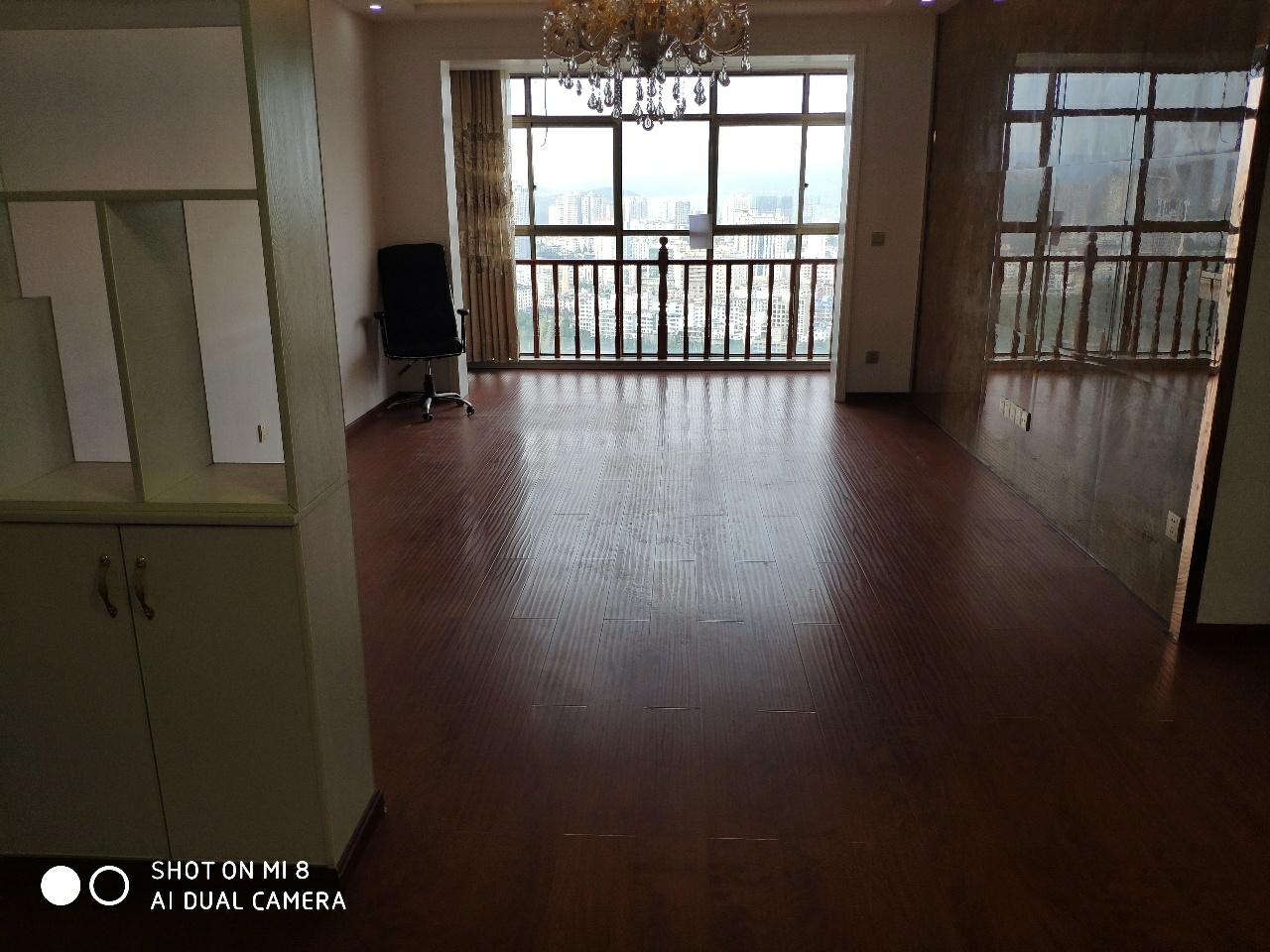 群益大厦3室 2厅 2卫58万元