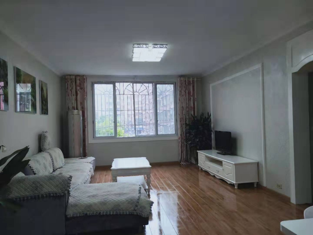 滨江路踏水桥3室 2厅 2卫58.8万元