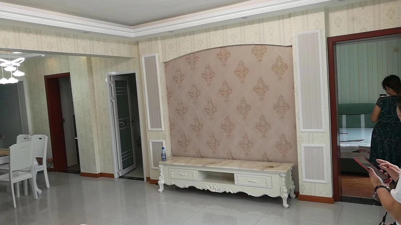 鸿运星城3室 2厅 2卫53万元
