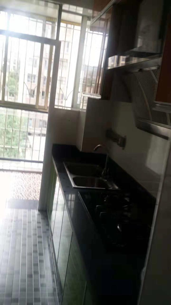 恒利国际新城4楼2室 2厅 1卫38.8万元