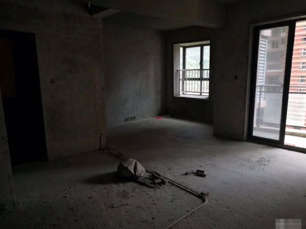 鐵觀音山莊3室 2廳 2衛135萬元