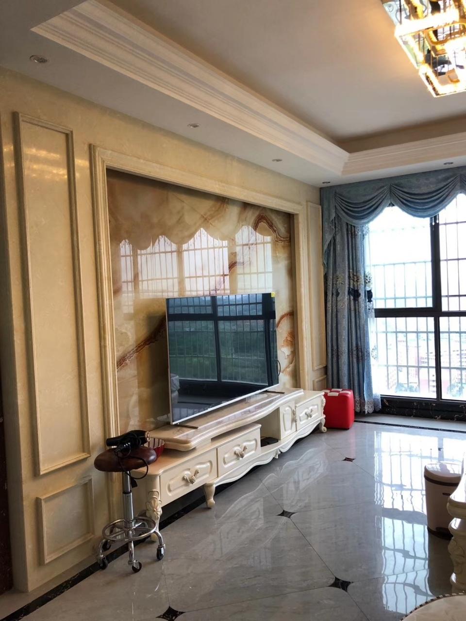 新港华府4室 2厅 2卫99.8万元