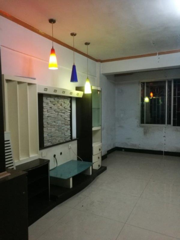 长春苑3室 2厅 2卫64.8万元