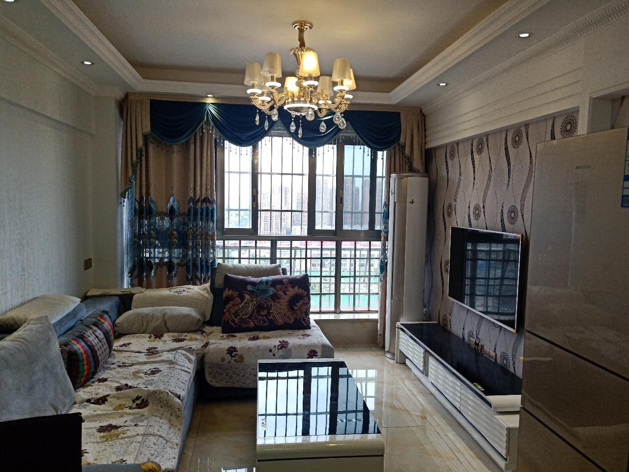 中央公园3室 2厅 2卫88万元
