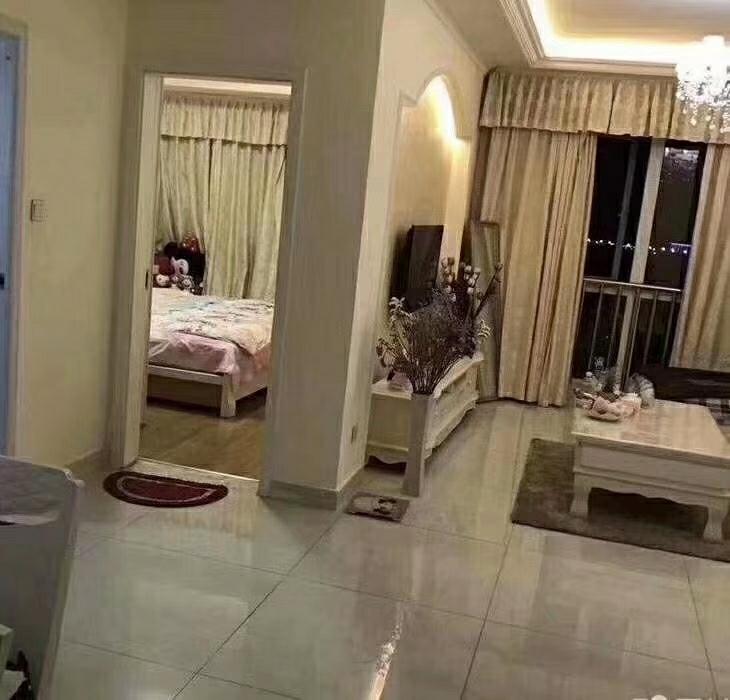 摩尔国际2室 1厅 1卫73万元