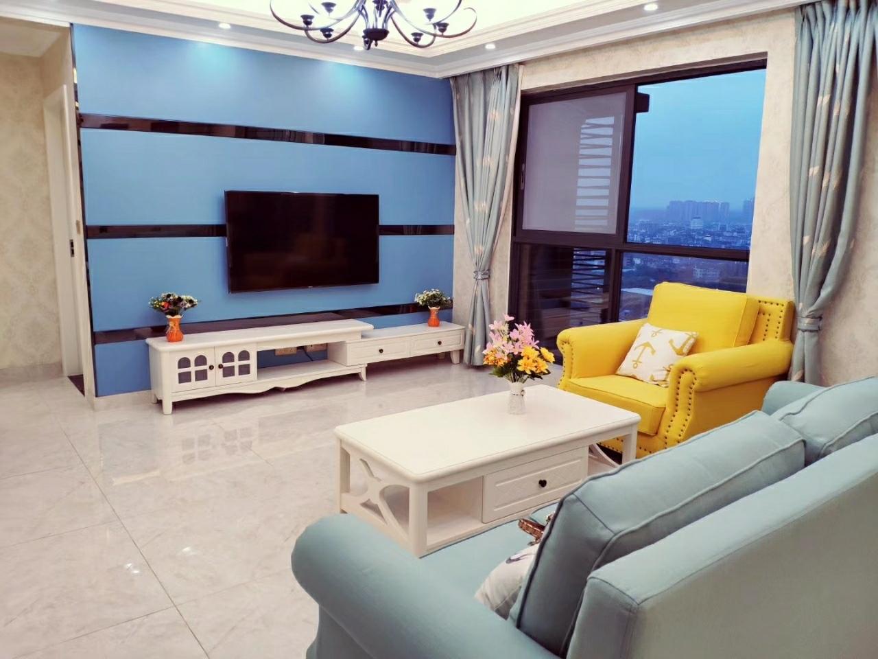 蓝光3室 2厅 1卫100万元