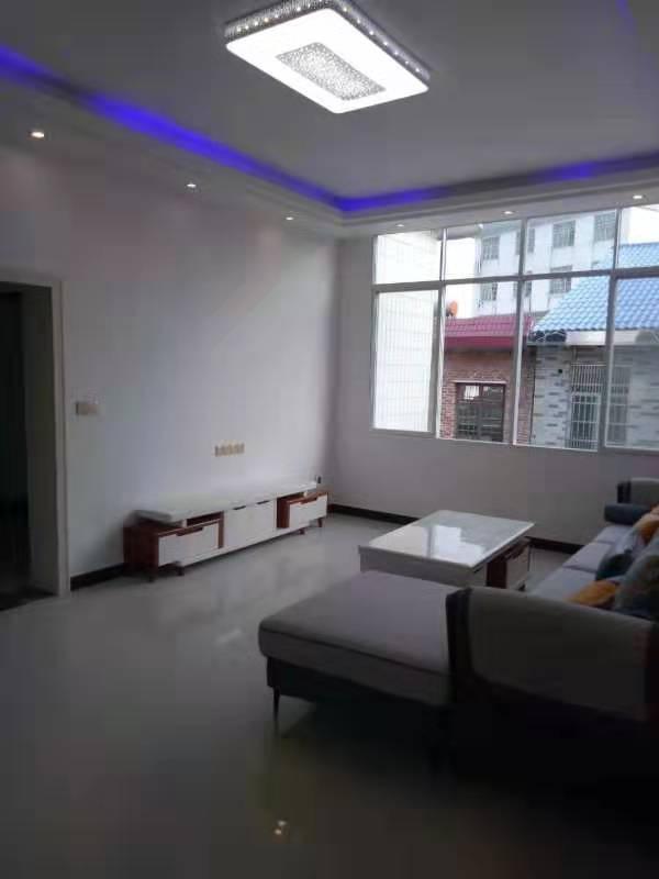 黃竹庵附近四樓新裝修三房二廳43.8萬出售